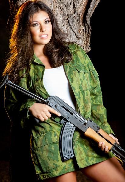 Пълна забрана на полуавтоматичните оръжия